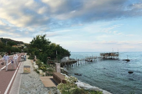The bicycle lane along the Trabocchi coast